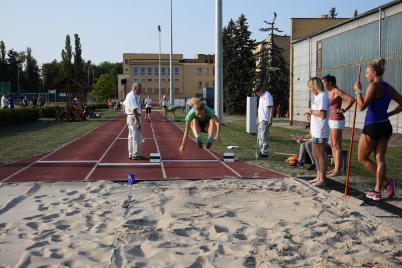 Fotografie DSC_0063.JPG v galerii 1.kolo finále B družstva starší žáci